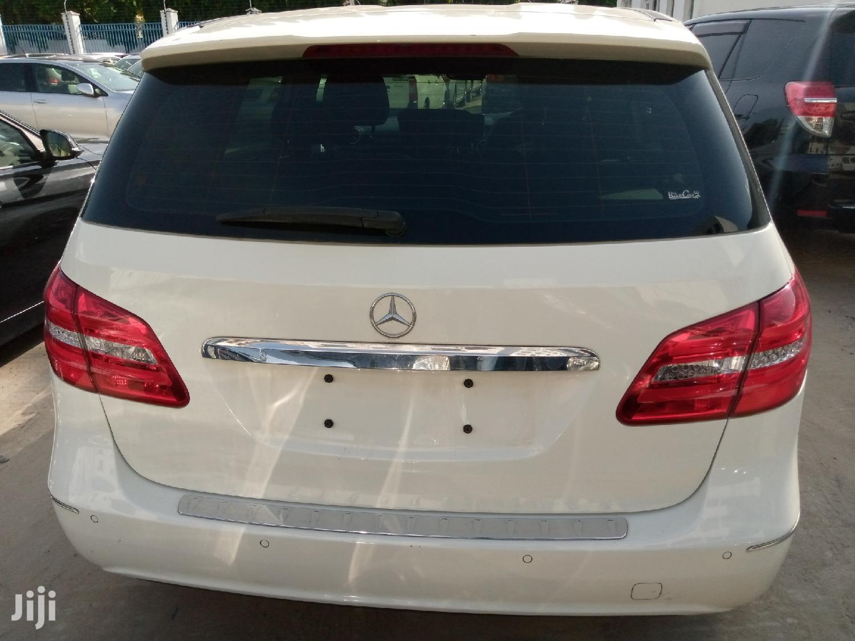 Archive: Mercedes-Benz B-Class 2013 White