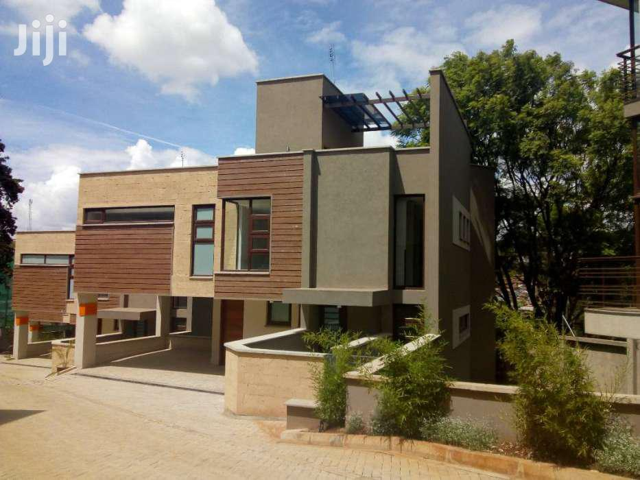 Archive: 4 Bedrooms Villa - Lovington