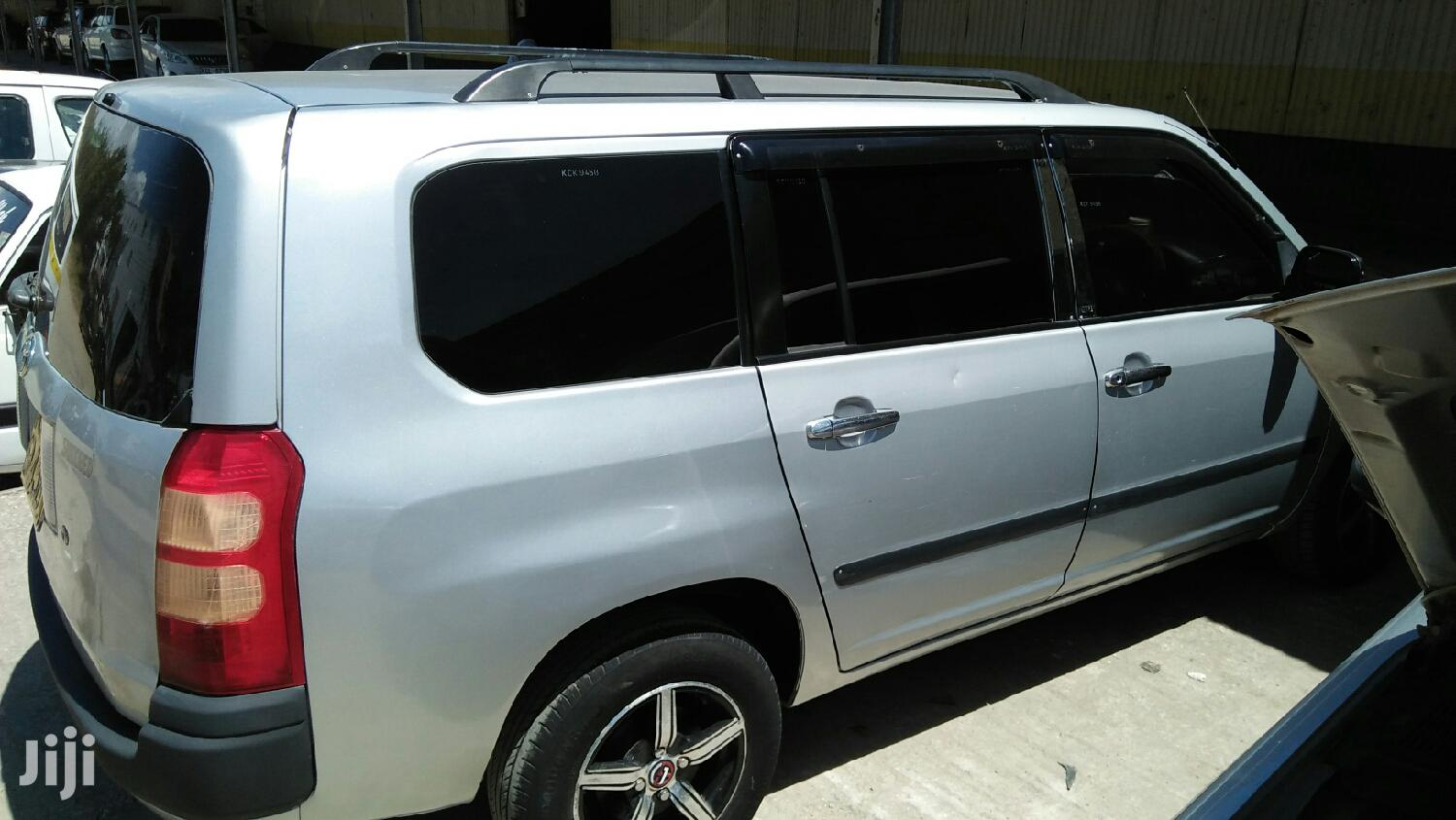 Archive: Toyota Succeed 2010 Silver