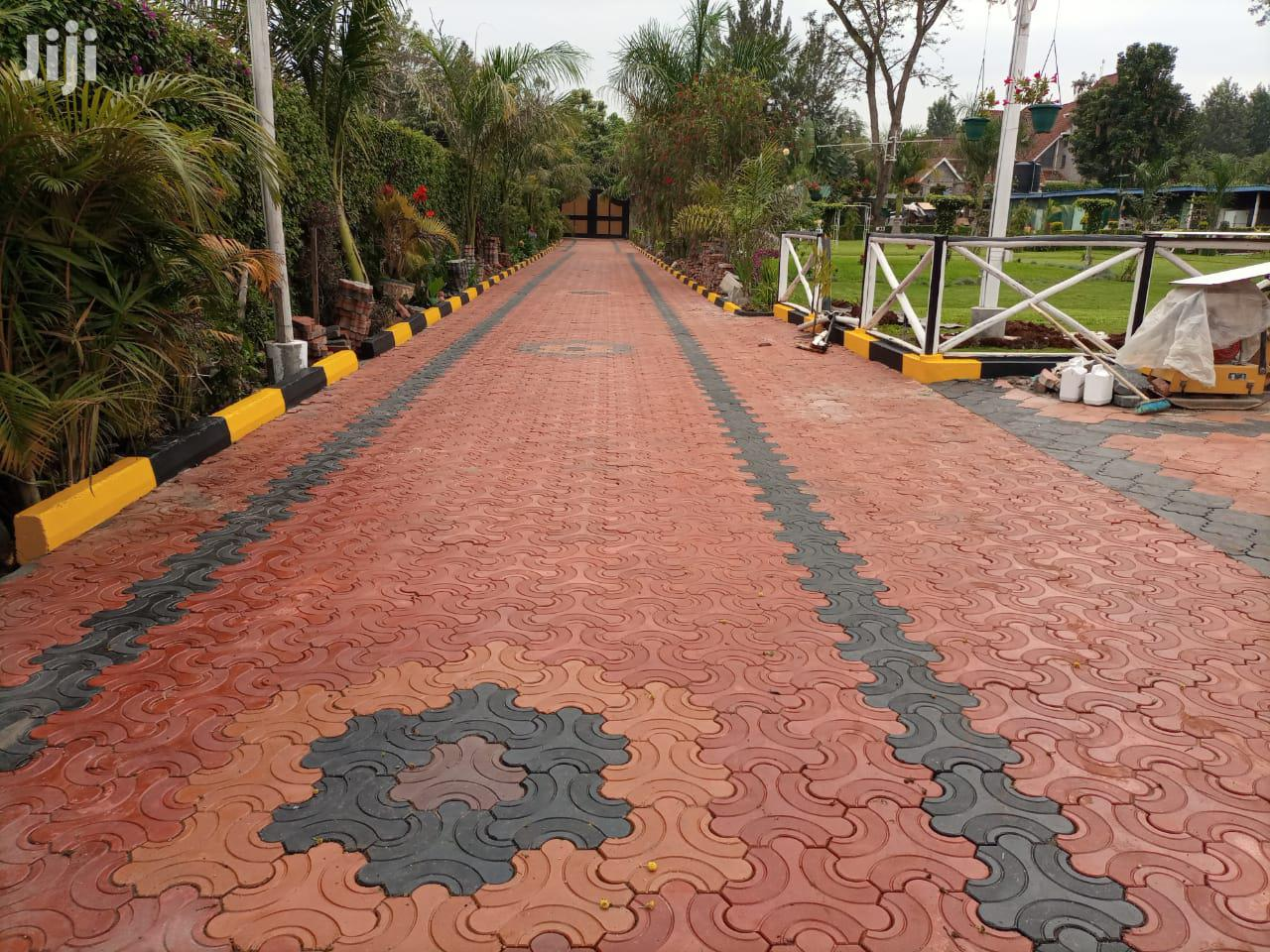 Archive: Coloured Cabros And Pavings Blocks