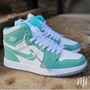 Air Jordan 1 Retro High Og 'Turbo Green'   Shoes for sale in Nairobi, Nairobi Central