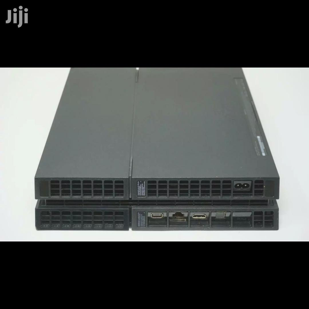 Archive: Playstation 4 Console With Controller