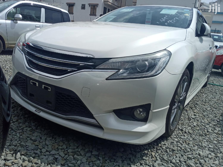 Archive: Toyota Mark X 2014 White