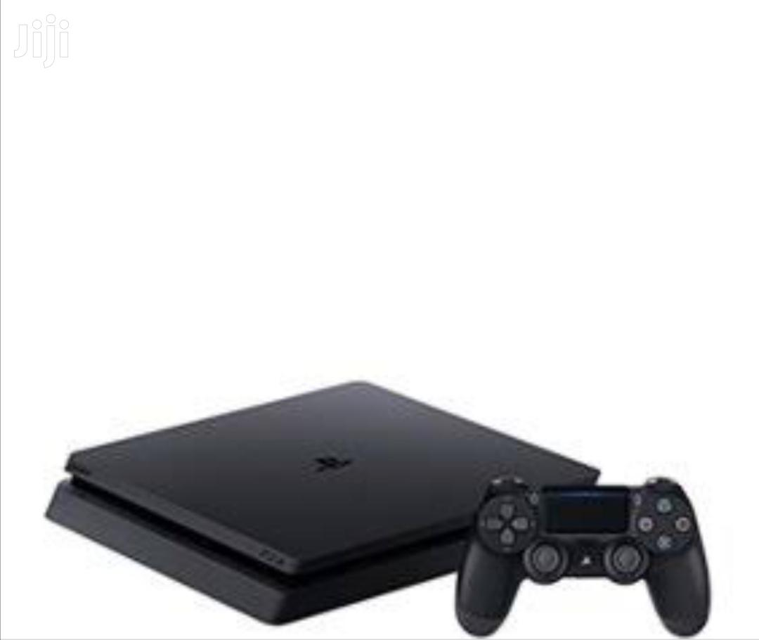 Playstation 4 Console With One Pad