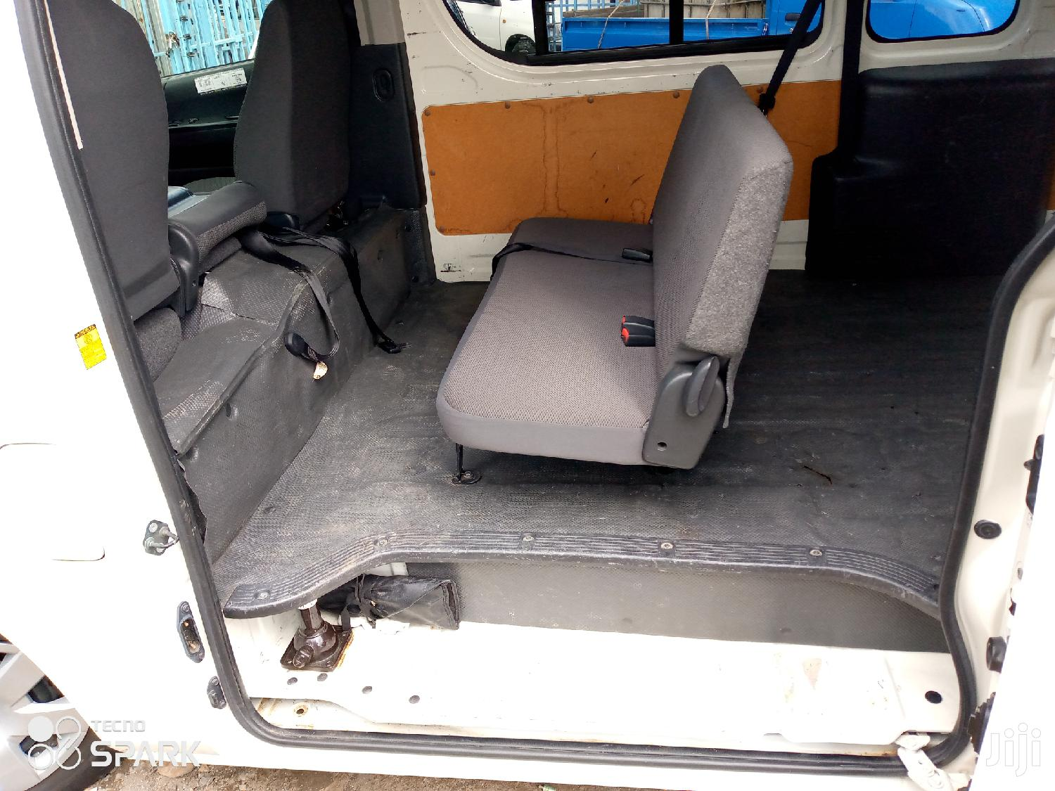 Selling Toyota Hiace Automatic Diesel 9L