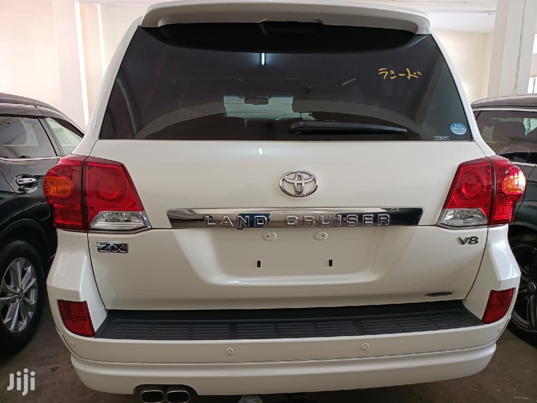 Archive: Toyota Land Cruiser Prado 2013 Silver