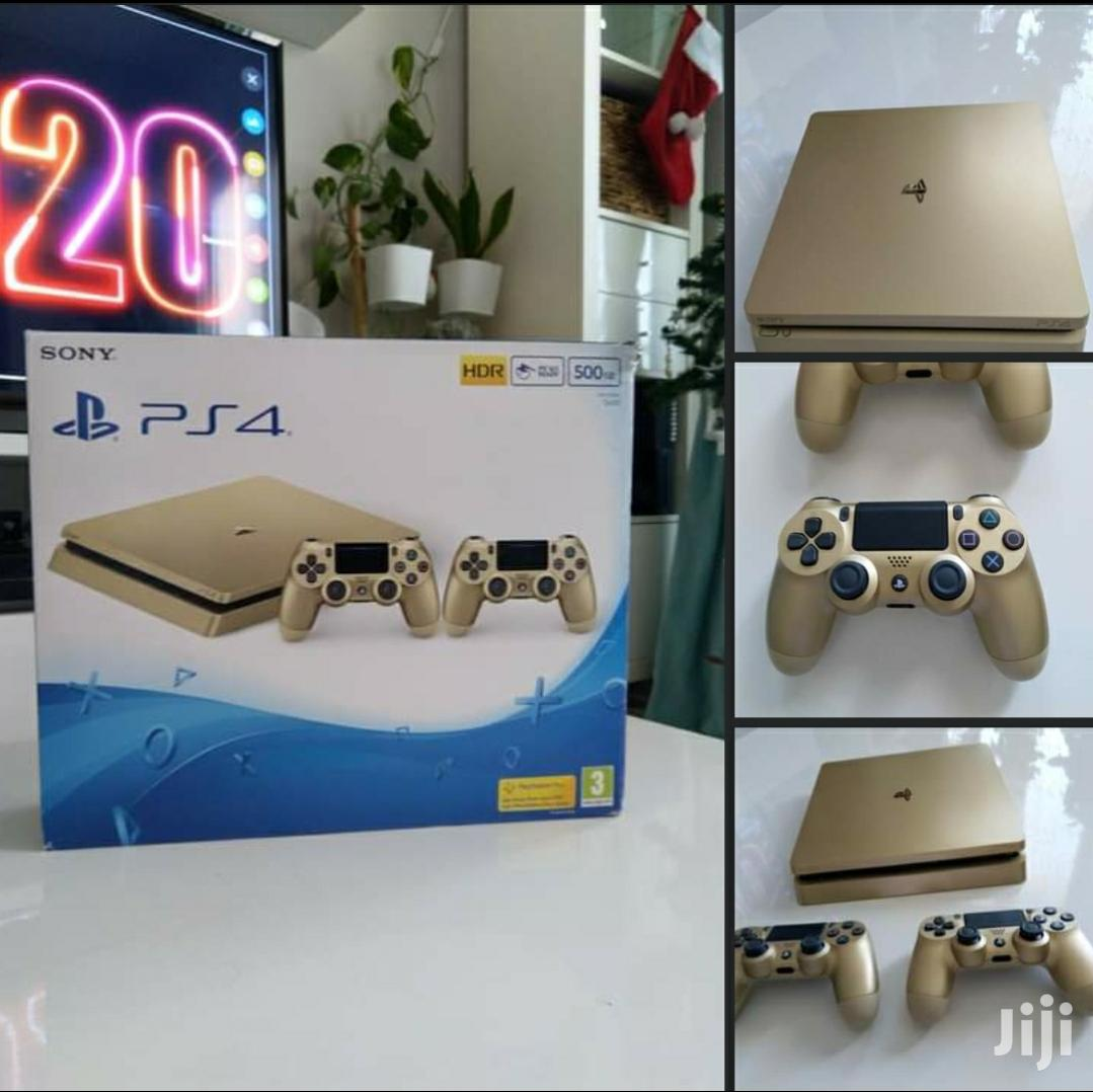 Ps4 Slim 500GB Gold With Two Controllers