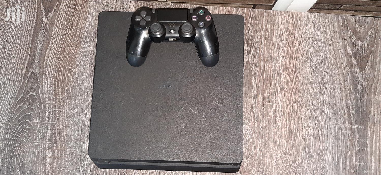 Slim Playstation 4 Console