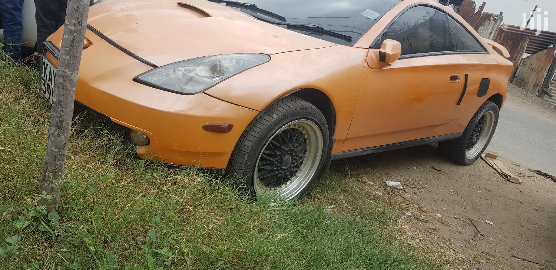 Toyota Celica 2000 Orange