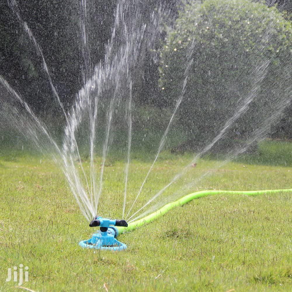 360° Rotating Water Sprinkler
