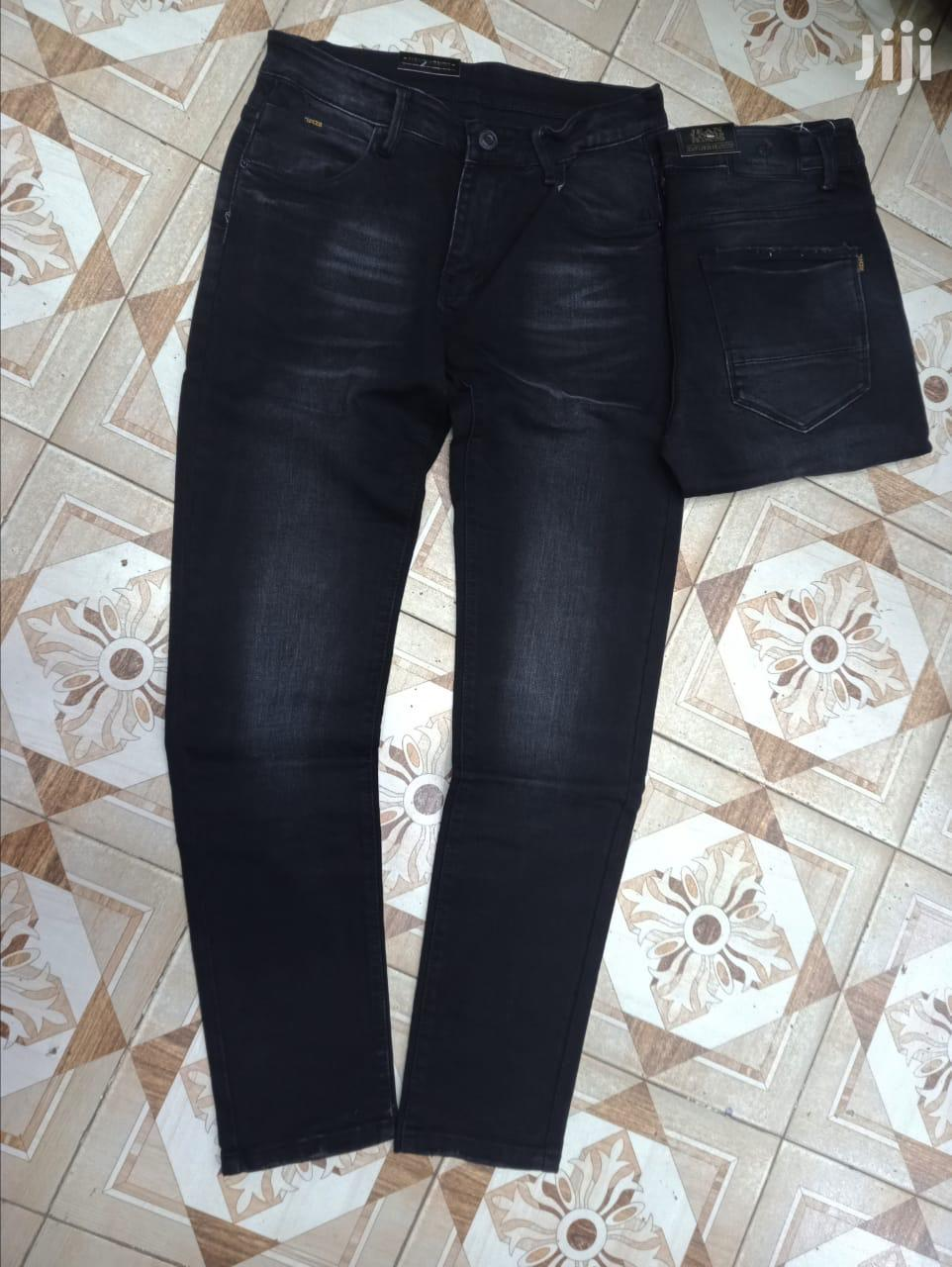 Men'S Jeans Available