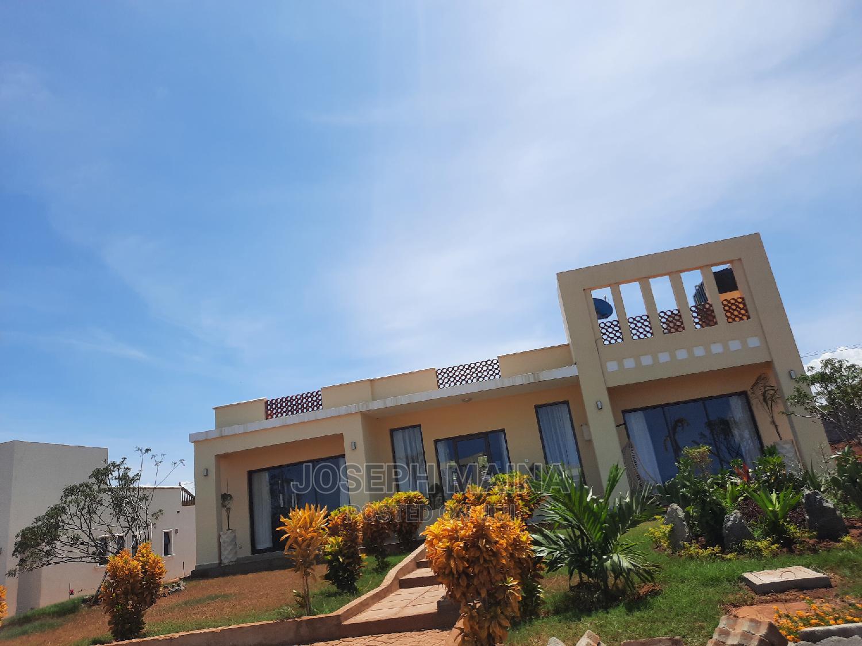 3 Bedrooms Villa 4 Sale in Vipingo With Far Great Sea View