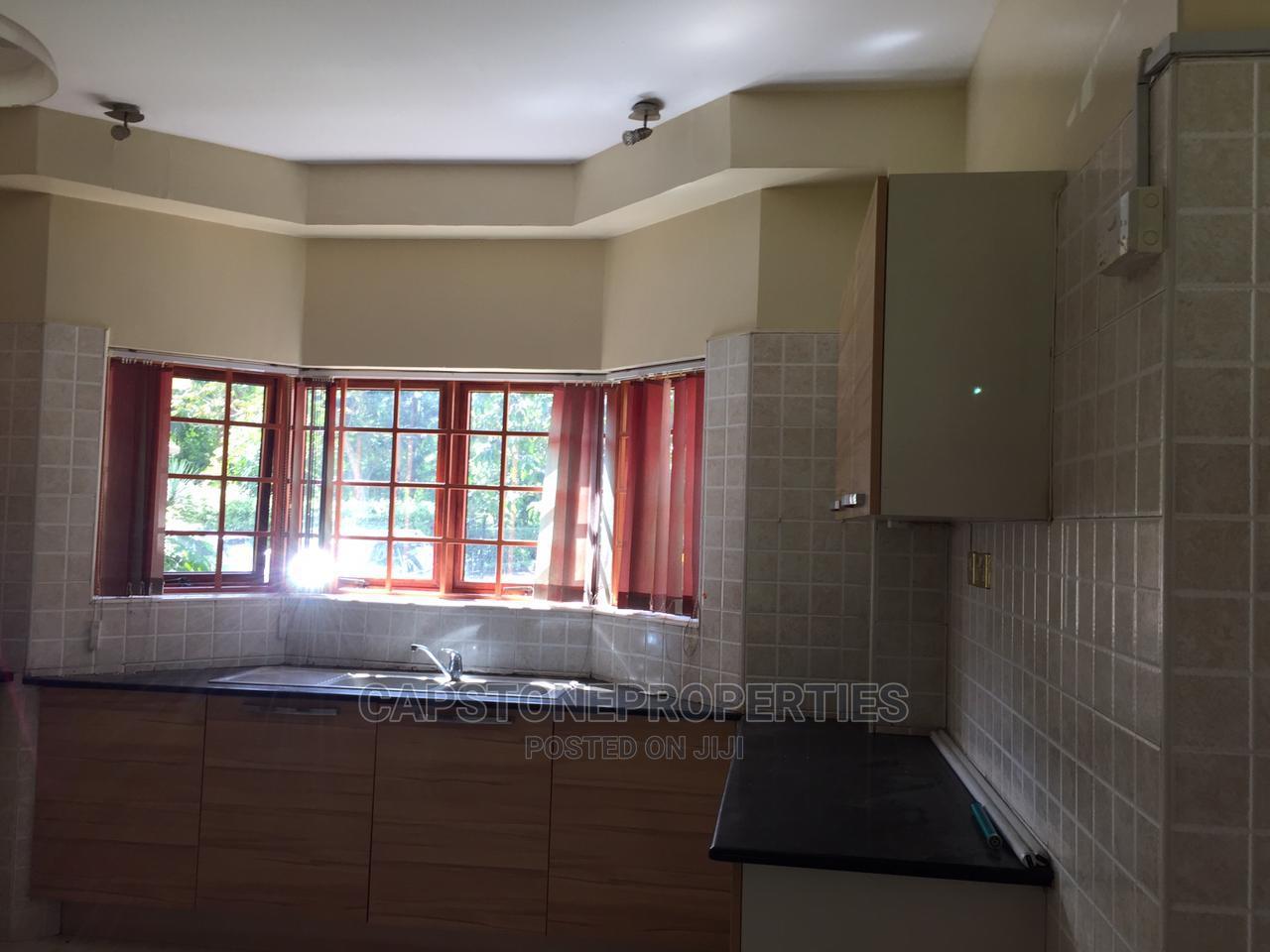 Archive: Elegantly Done 4 Bedrooms Villa