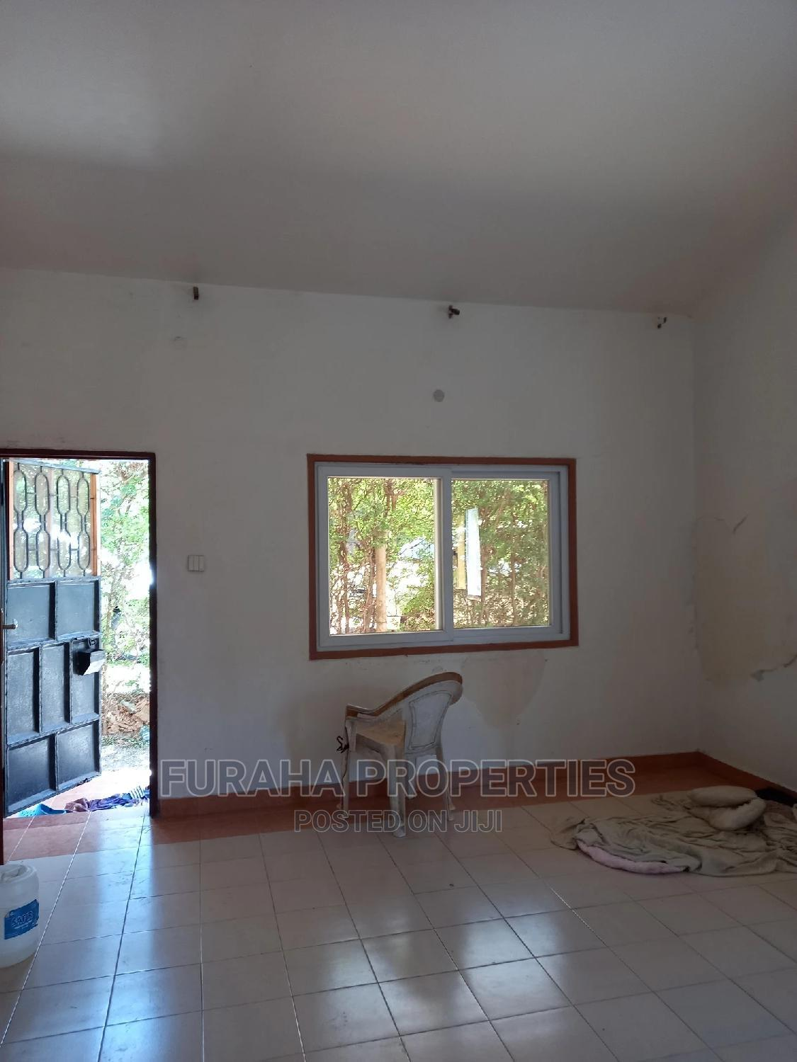 Archive: For Sale 3 Bedrooms Bungalow Bamburi