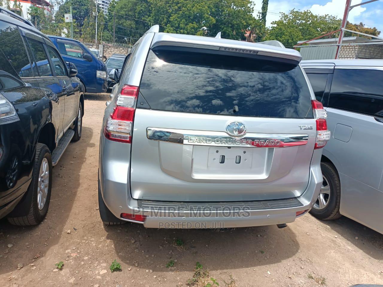 Archive: Toyota Land Cruiser Prado 2014 Silver
