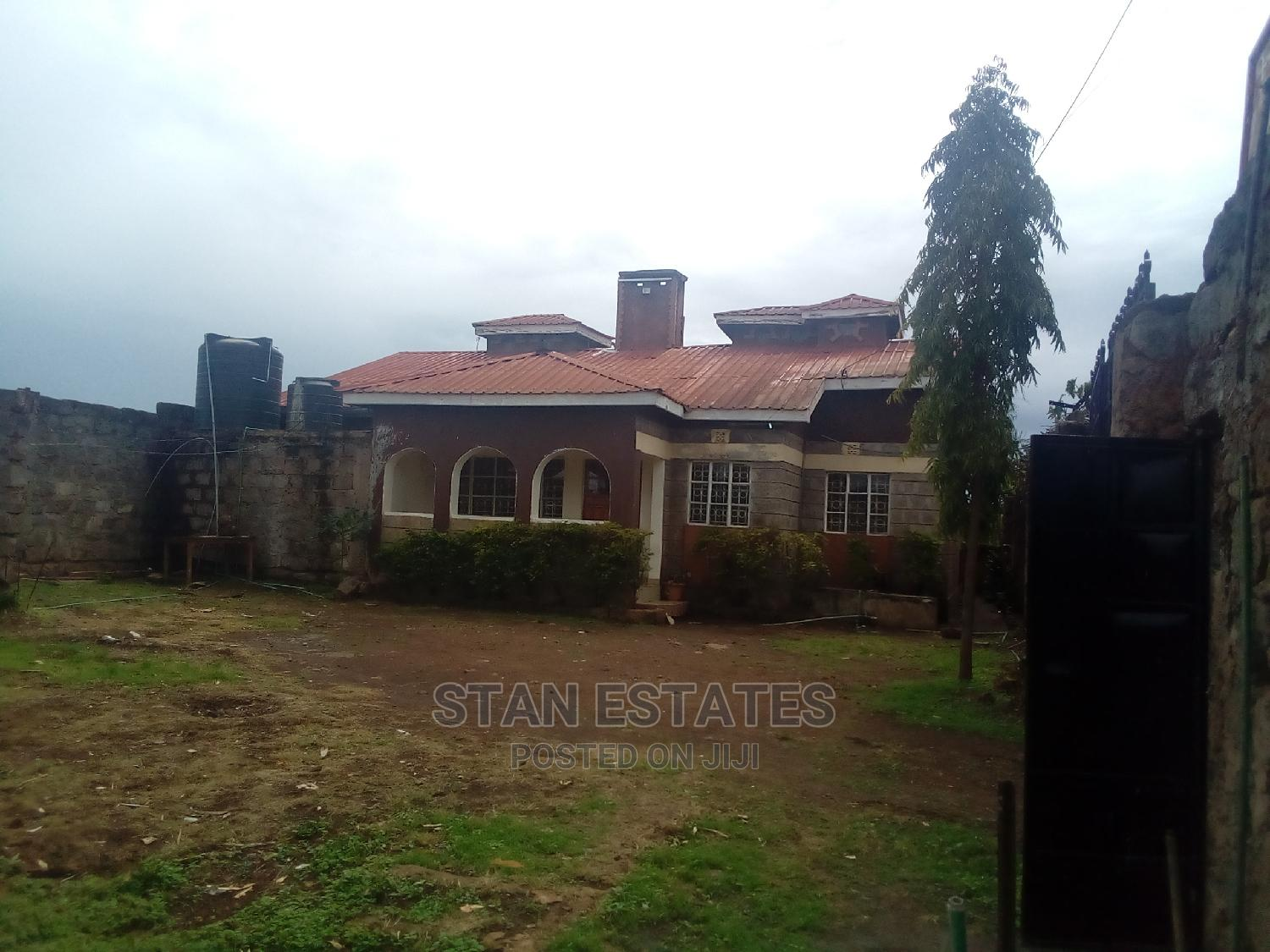 Archive: 3 Bedroom Farm House Sitting on 1/4 Acre
