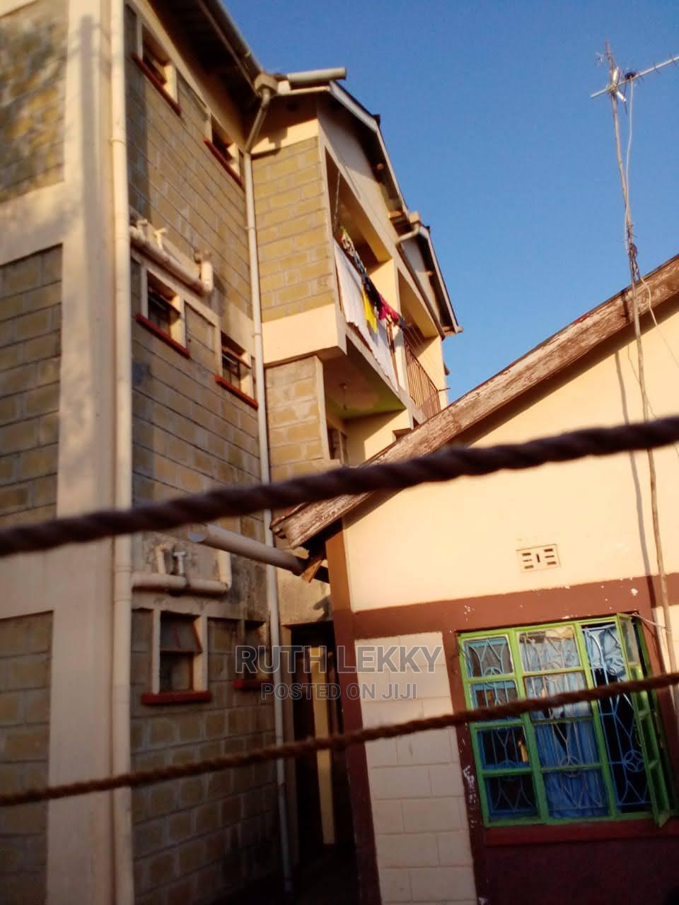 8bdrm Block of Flats in Carwash, Kisumu Central for Sale