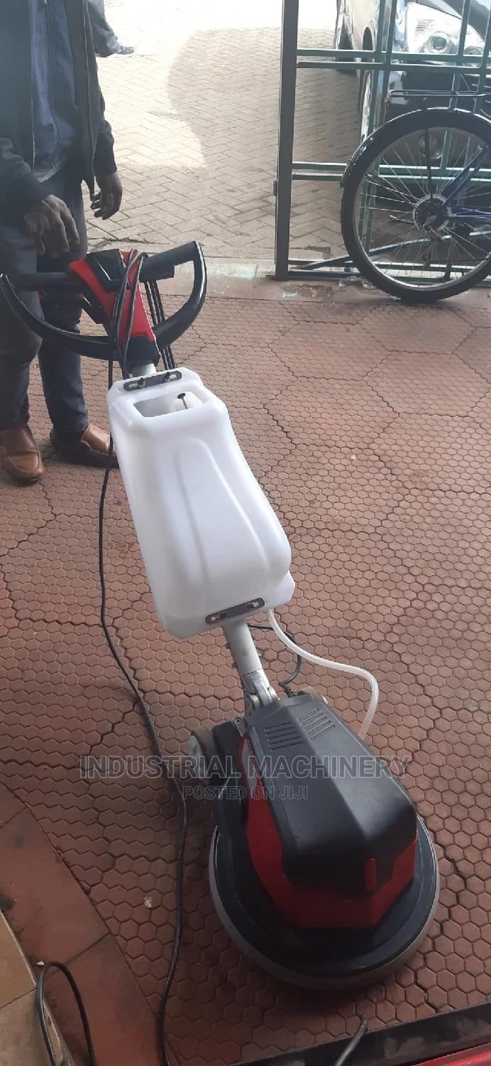 Commercial Scrubbing Machines