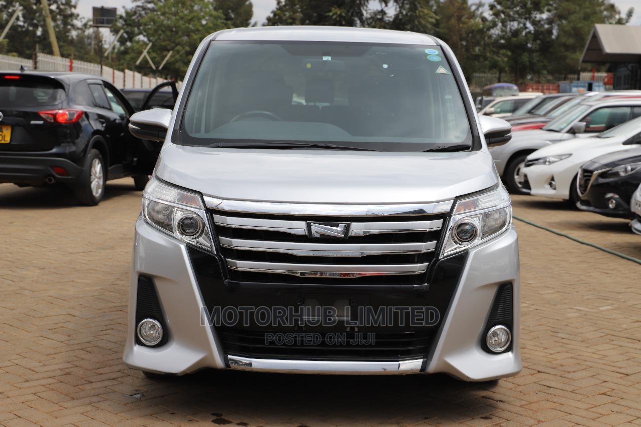 Toyota Noah 2014 Silver