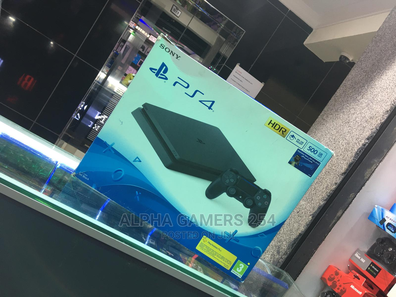 Archive: Playstation 4 Slim .