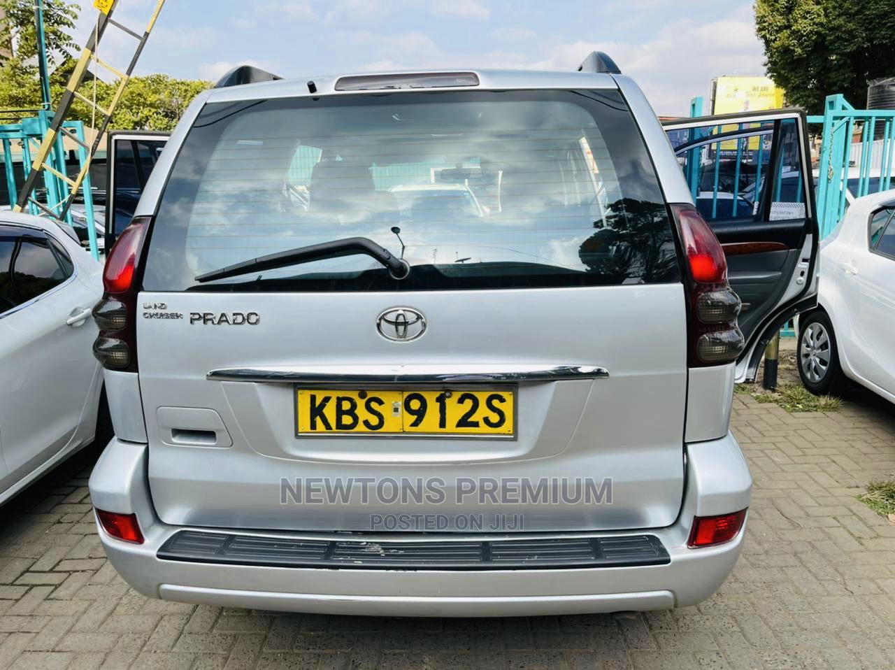 Toyota Land Cruiser Prado 2005 Silver | Cars for sale in Kilimani, Nairobi, Kenya