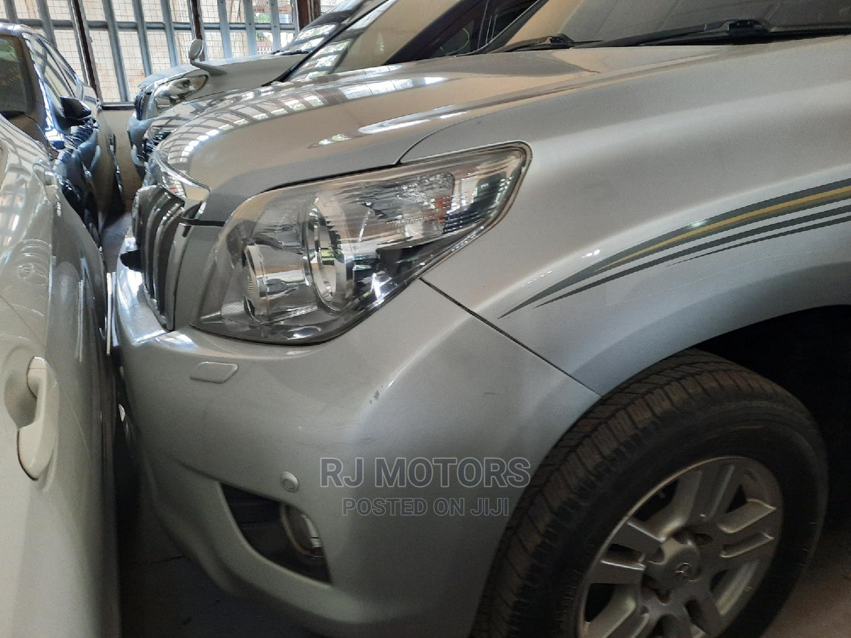 Archive: Toyota Land Cruiser Prado 2010 Silver
