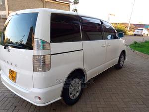 Toyota Voxy 2006 White | Cars for sale in Nairobi, Donholm