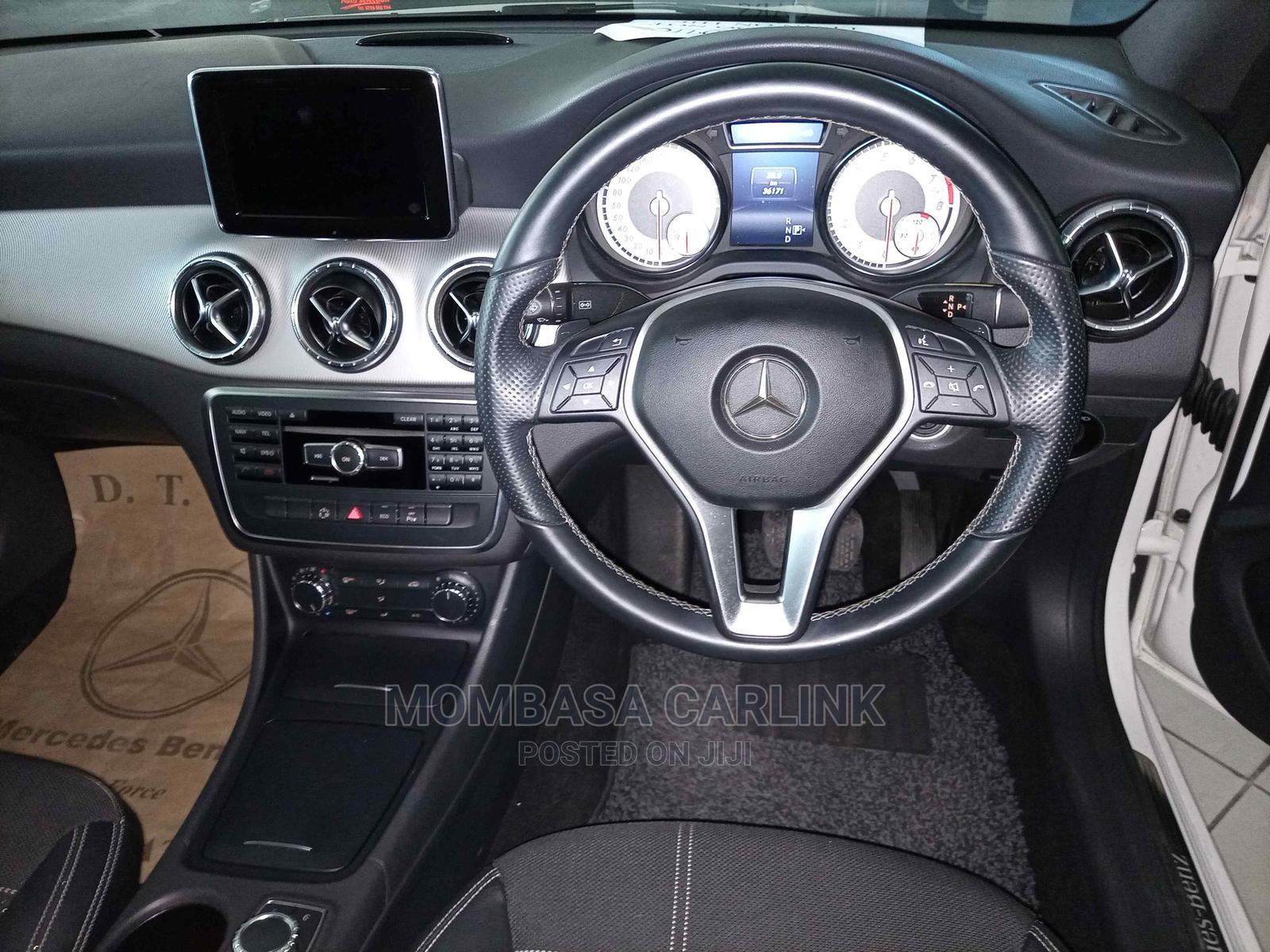 Archive: Mercedes-Benz CLA-Class 2013 Pearl