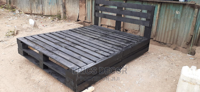 5by6 Black Pallet Bed/Pallet Bed/5by6 Pallet Bed   Furniture for sale in Makadara, Nairobi, Kenya