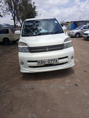 Toyota Voxy 2006 White | Cars for sale in Nairobi, Umoja