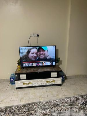 43 Inch Smart Tv and Marble Stand | TV & DVD Equipment for sale in Nairobi, Kariobangi