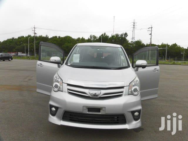 New Toyota Noah 2012 Silver