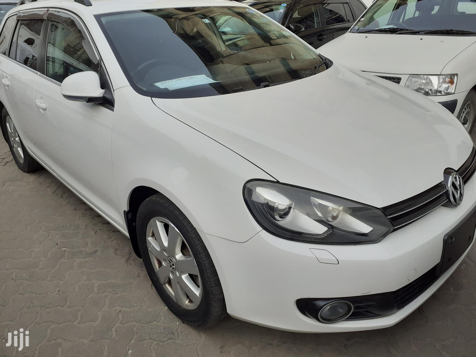 Archive: New Volkswagen Golf 2013 White