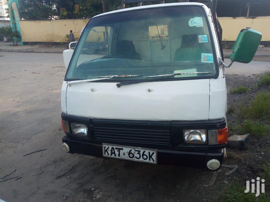 Archive: Nissan Caravan 1999 White