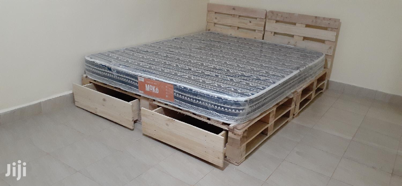 Pallet Bed/5by6 Pallet Bed/Pallet Furniture