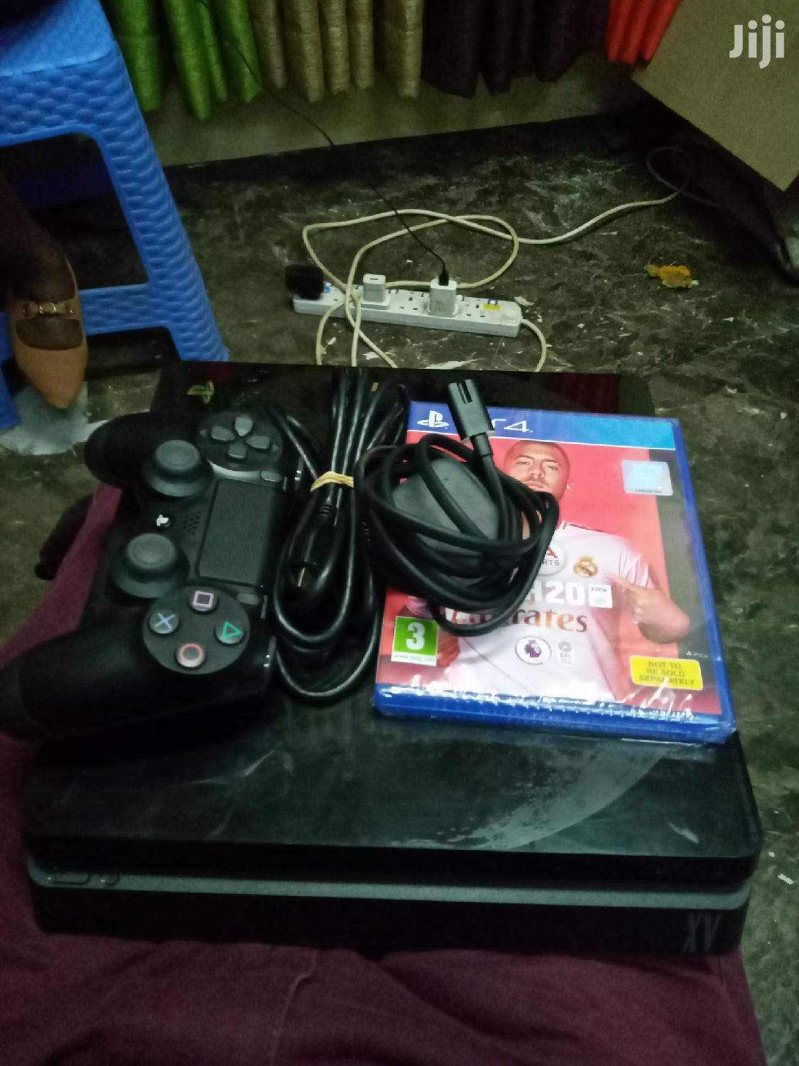 Ps 4 Pre Owned With New Fifa 20