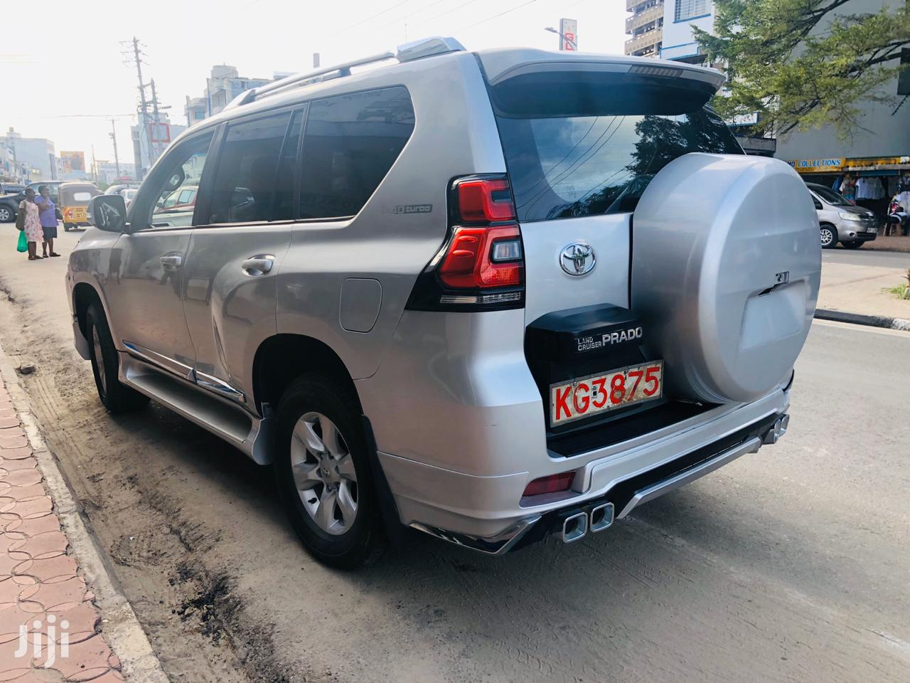 Archive: Toyota Land Cruiser Prado 2015 Silver