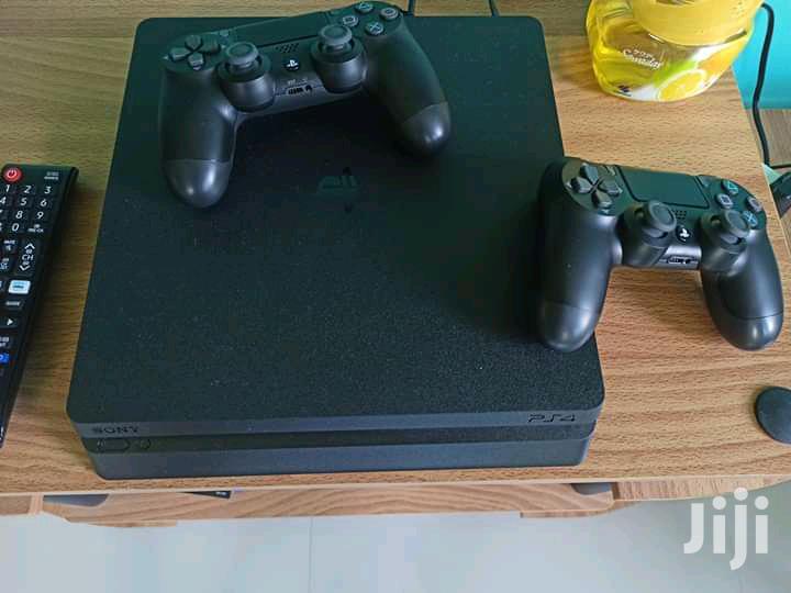 Playstation 4 Slim Pre Owned