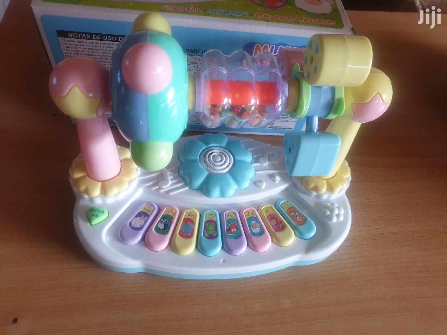Activity Interactive Learning Musical Keyboard With Overhead Shakers