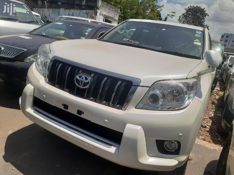 Archive: Toyota Land Cruiser Prado 2014 White