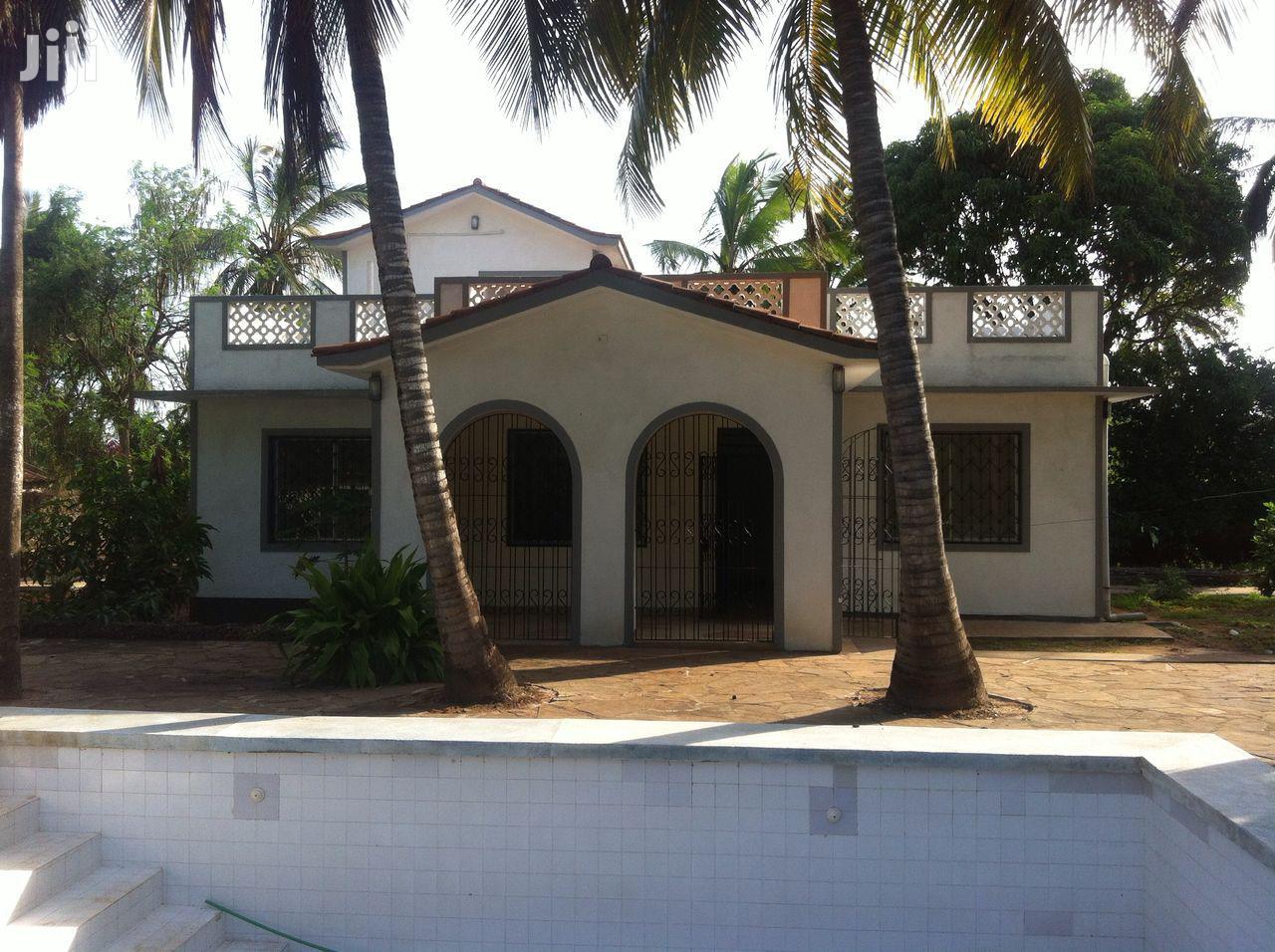 Archive: Kanamai 3rd Row Beach Villa For Sale